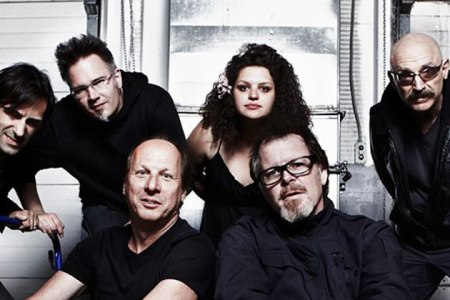 The King Crimson ProjeKct which is in no way similar to King Crimson.  Left to right: Tobias Ralph, Markus Reuter, Adrian Belew, Julie Slick, Pat Mastelotto and Tony Levin.